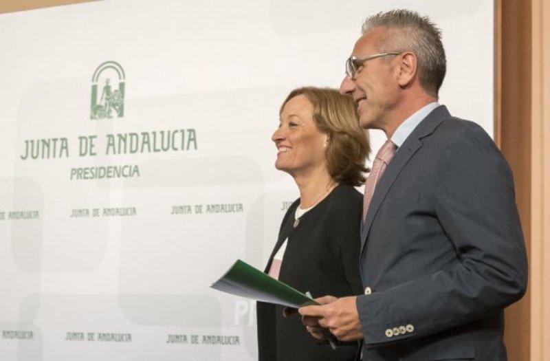 Ga consejera de Agricultura y el portavoz del Gobierno dan cuenta del decreto