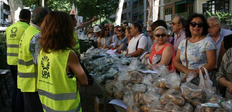 UPA protesta en Granada por precios justos para agricultores y ganaderos en la cadena alimentaria