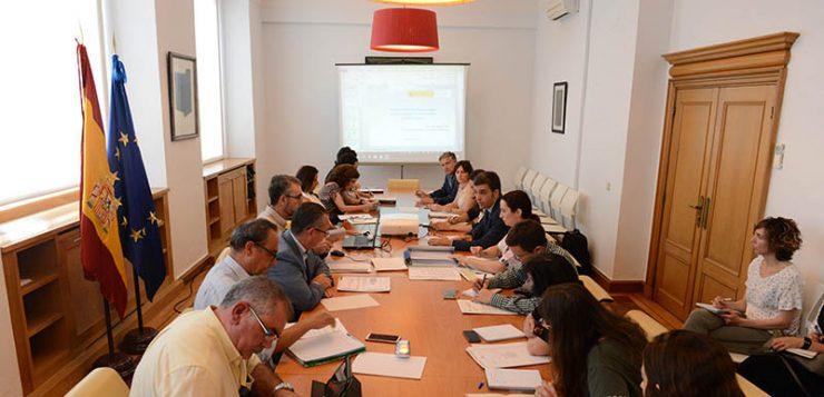 El Ministerio de Agricultura, Pesca y Alimentación analiza con el sector la evolución de la sequía